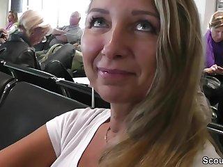 Geile Deutsche Mutti fickt im Urlaub mit Fremden auf SexTape