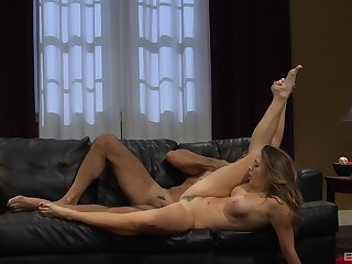 Nicole Aniston with tattooed pussy adores pussy trample in front verge on sex