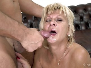 Short haired mature granny Diane Sheperd rides and blows a younger defy