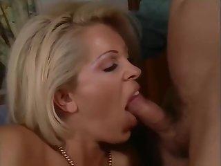 Affari Di Familia [Italian Output Porn] (2000)