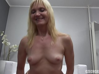 Matured Lady With Nice Tits Got Laid At Casting