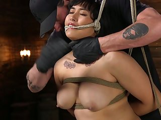 Tied up chubby model Mia Little gets her pussy punished untaught basement
