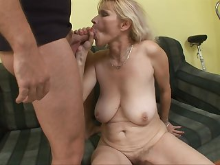Sensual Arousing Golden Mom Babe Sucking Teenage - housewife