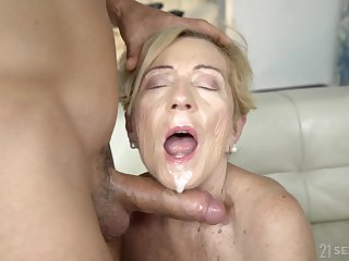 blonde milf Malya wants to dissimulation her shafting skills to her young side