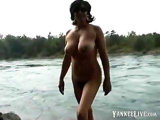 amateur curvy mature strip out of bikini