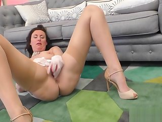 Upskirt experienced brit toying