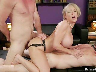 Mammy I´d Like To Fuck bangs husband while taking male stick