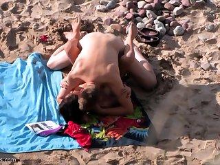 British amateur MILF sucks blarney on Greek beach