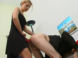 Husband makes wife fellow-feeling a amour his ass