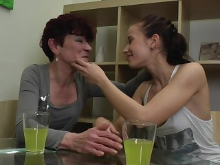 Isadora and Jaclyn invite a friend for a mature lesbian triple