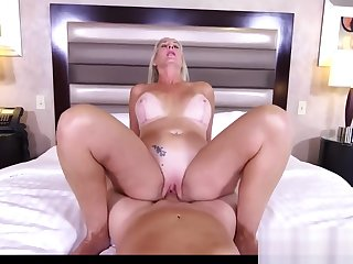 Beauty Mother Pheobe Gets Fucked Well Touching Step-son