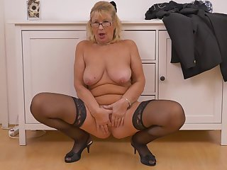 Blondie Granny Strips And Fingers Pussy - housewife