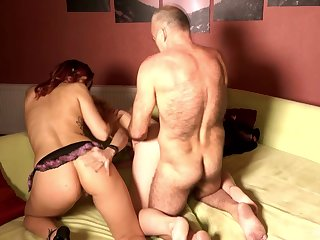 Bedroom threesome sex with dabbler Natalie Hot and Daughter Gross
