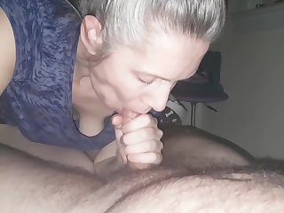 hanysy hot 43 year old milf is doing a blow labour cum in mouth