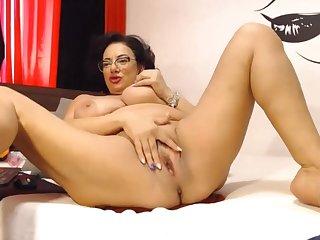 BEAUTIFUL RUSSIAN housewife webcam