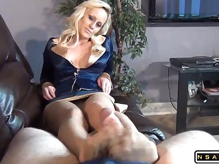 Striking blonde milf in pantyhose reveals her footjob faculty