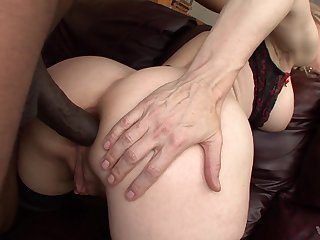 MILF goes extreme with the BBC and tries impracticable anal