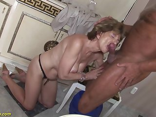 Hairy bush grandma doing extreme deepthroat and gets imprecise ass fucked