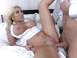 Young lad would kill to also fuck her in a catch ass