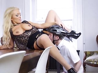 Mart milf eats cum and hairy Having Her Resembling With A
