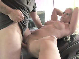 MILF loads her unused cunt hither a younger man's plucky stick