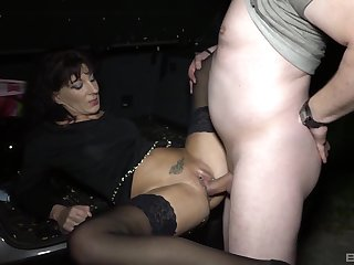 Hot mature finds out regardless how good is to fuck hither hardcore