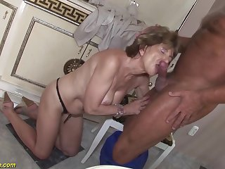 Hairy 70 years old mom anal sex with a boyfriend