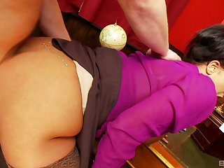 Big ass secretary feels the young man's cock pretty deep