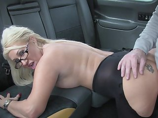 Hot taxi sex be required of lucky driver and festival slut Mia Makepeace