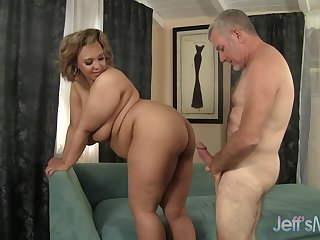 Chubby Sara Wilson - Made Love In The Arse