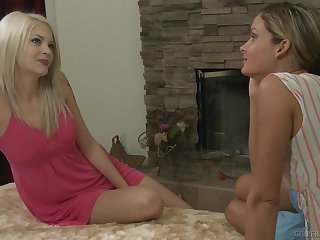 Prinzzess invited lack of restraint her fatigued friend in the air have sex back Bree Daniels
